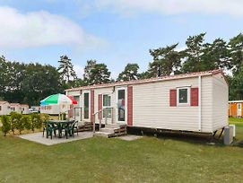 Holiday Home Prinsenmeer.9 photos Exterior