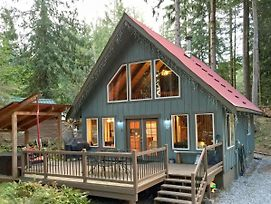 Holiday Home 99Mbr Woodsy Cabin W Hot Tub Wifi photos Exterior