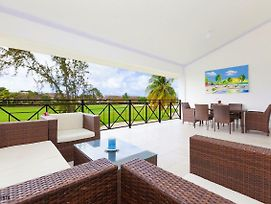 Private & Luxury Villa Cocotal In Gated & Secured Community photos Exterior