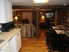Yellowstone Self Catering Lodging (Adults Only) photos Exterior