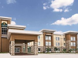 La Quinta Inn & Suites By Wyndham San Antonio By At&T Center photos Exterior