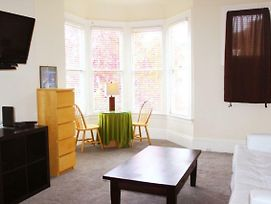 9 Central Ave One Bedroom Unit A photos Exterior