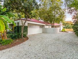 East Beach- Upscale Yet Comfortable With Private Pool photos Exterior
