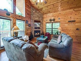 Our Mountain Getaway, 3 Bedrooms, Sleeps 12, Hot Tub, 2 Jacuzzis, Wifi photos Exterior