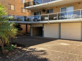 13 'Parkview' 11 13 Catalina Close Great Location Unit With A Locked Garage photos Exterior