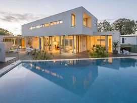 Cinque - Luxury Family Home With Pool Close To Beach And Town photos Exterior