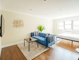 Cozy And Pristine Studio Apt In Lakeview A2 photos Exterior