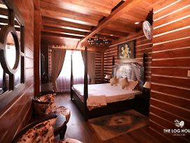 The Log House , Vimal Kutir ,The Mall Road , Mussoorie photos Exterior