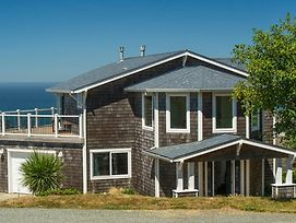 The Lighthouse 3 Bedroom Home By Redawning photos Exterior