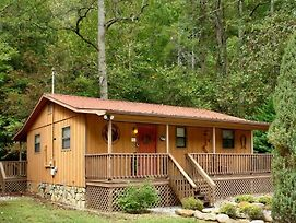 Whispering Creek Cabin photos Exterior