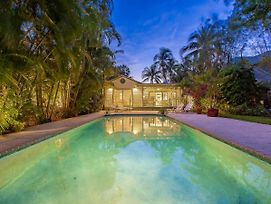 Tropical Oasis 3 Bedroom Home photos Exterior