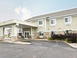 Crossings Inn & Suites By Grandstay photos Exterior