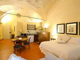 Oltrarno Villa Sleeps 4 Air Con Wifi photos Exterior
