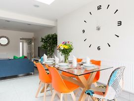 The Goldthornes Birmingham Nec & Solihull - Stylish 4 Bedroom House With Parking photos Exterior