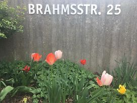 Brahms 25 photos Exterior