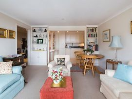 Bright Traditional 1 Bed Beside Battersea Park & River photos Exterior