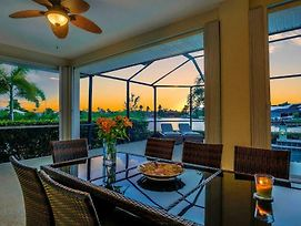 Sea La Vie In Cape Coral Florida Waterfront Rental Home photos Exterior
