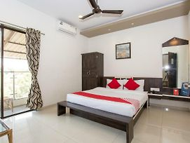 Meera Vatika By Oyo Rooms photos Exterior