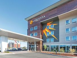 La Quinta Inn & Suites By Wyndham Terre Haute photos Exterior