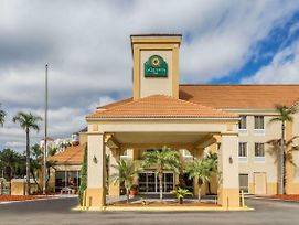 La Quinta Inn & Suites By Wyndham Orlando Universal Area photos Exterior