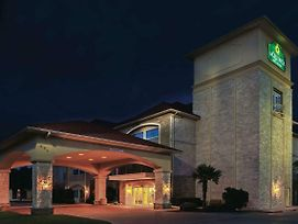 La Quinta Inn & Suites By Wyndham Granbury photos Exterior