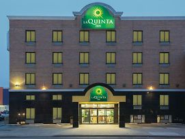 La Quinta Inn By Wyndham Queens photos Exterior