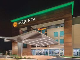 La Quinta Inn & Suites By Wyndham Cleveland Tn photos Exterior