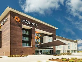 La Quinta Inn & Suites Wichita Northeast photos Exterior