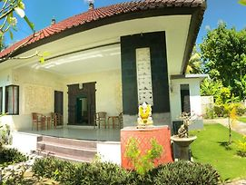 Nyuh Kadah Guest House photos Exterior
