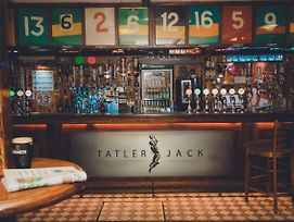 Tatler Jack photos Exterior