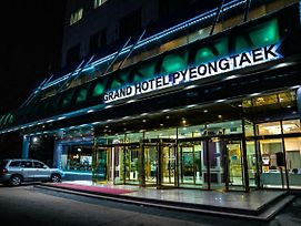 Grand Hotel Pyeongtaek photos Exterior