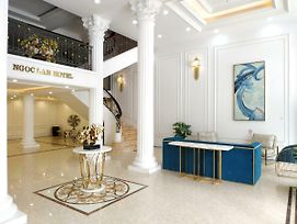 Khach San Ngoc Lan Ha Long Hotel photos Exterior
