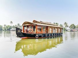 Oyo 24606 Waves & Wind 3Bhk Houseboat photos Exterior