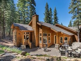 Wooded Holiday Home At Tahoe Donner photos Exterior