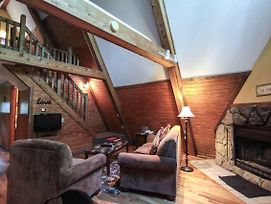 A-Frame #17 - Nature Lovers Hideaway - Hocking Hills Cabin photos Exterior