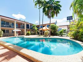 Tropical Queenslander photos Exterior