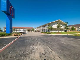Motel 6 Dallas - Farmers Branch photos Exterior