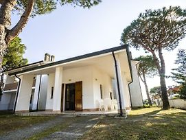 Delightful Holiday Home In Lido Di Volano Near Sea photos Exterior