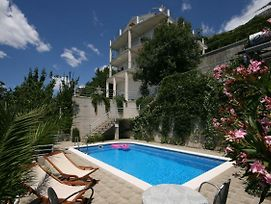 Apartments And Rooms With A Swimming Pool Brela Makarska 6828 photos Exterior