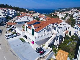 Apartments With A Parking Space Hvar - 5706 photos Exterior