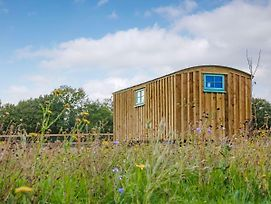 Hut 1 Uk11249 photos Exterior