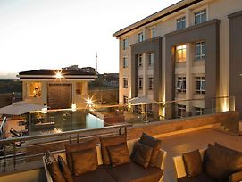 Enjoy Your Perfect Vacation In Nairobi By Staying At Eka Hotel photos Exterior