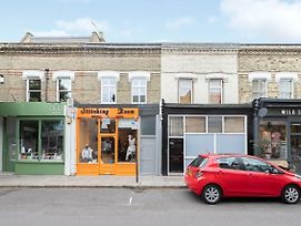 Stay In Style In West London Apartment By Tube Station photos Exterior