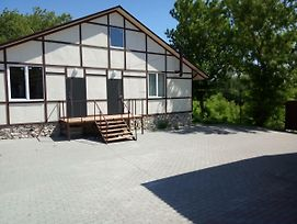 Guest House On Ilushkina 5 photos Exterior