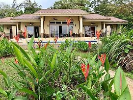 Luxury 4 Bedroom Villa On The Caribbean Beach , Each Suite Has Kitchenette, Separate Entrance And Terrace . photos Exterior