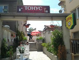 Tonus Guest House photos Exterior