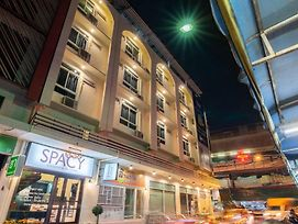 Spacy Bkk photos Exterior