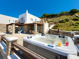 Sundance Villa With Outdoor Private Jacuzzi photos Exterior