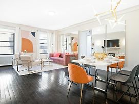 Fifth Avenue Ultra Luxurious Two Bedroom - Domenico Vacca Building 5D photos Exterior