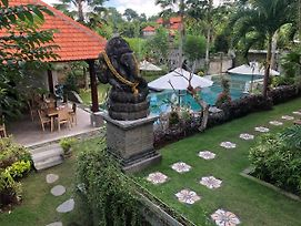 Betutu Bali Villas photos Exterior